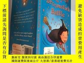 二手書博民逛書店Oliver罕見moon And the broomstick battle:奧利弗·月亮和掃帚之戰,Y200