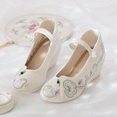 古裝鞋 繡花鞋女古風內增高跟坡跟夏季淡雅中國風百搭配古裝古代漢服鞋子 星河光年