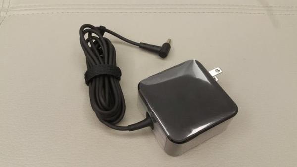 ASUS 原裝規格 變壓器 65W 4.0mm*1.35mm  ADP-65DW UX410 UX410U UX410UQ UX410UA