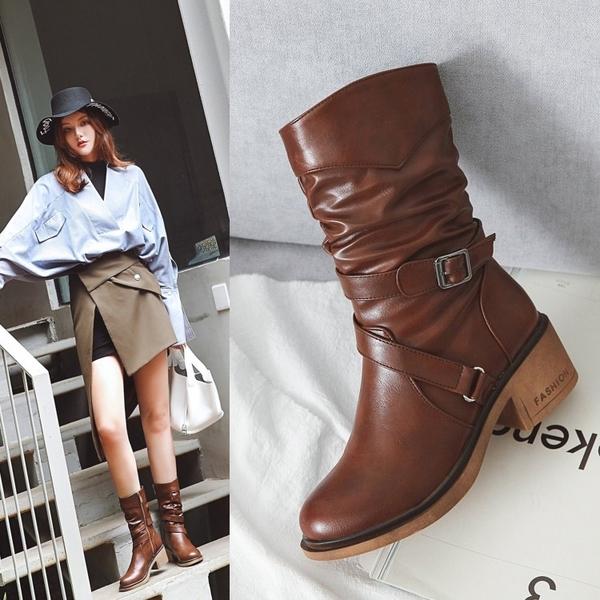 大尺碼女鞋☆ 2019新款百搭優雅扣帶環中跟中筒靴靴~3色