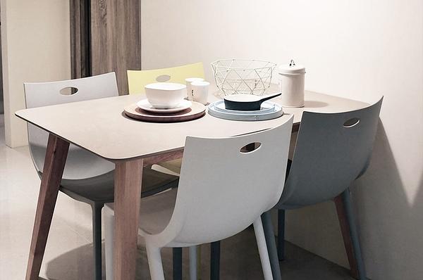 【歐雅系統家具】彩色餐椅-黃 / 北歐風 / 現成家具 / 椅子 / 五色選擇 / 亮色系 / 輕巧可堆疊