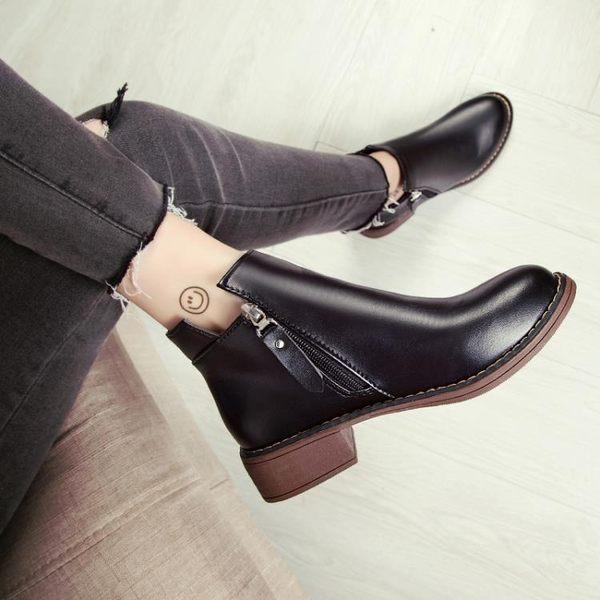 靴子 chic馬丁靴女英倫風小跟短靴及裸靴子女2018新款學生女靴春秋單靴【快速出貨】