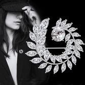 萬聖節快速出貨-女款胸針胸花時尚水晶氣質百搭西裝大衣開衫大別針大氣韓國配飾品