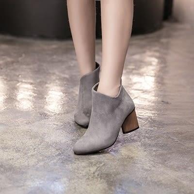 粗跟短靴-歐美英倫風時尚V口女馬丁靴2色73is1[時尚巴黎]