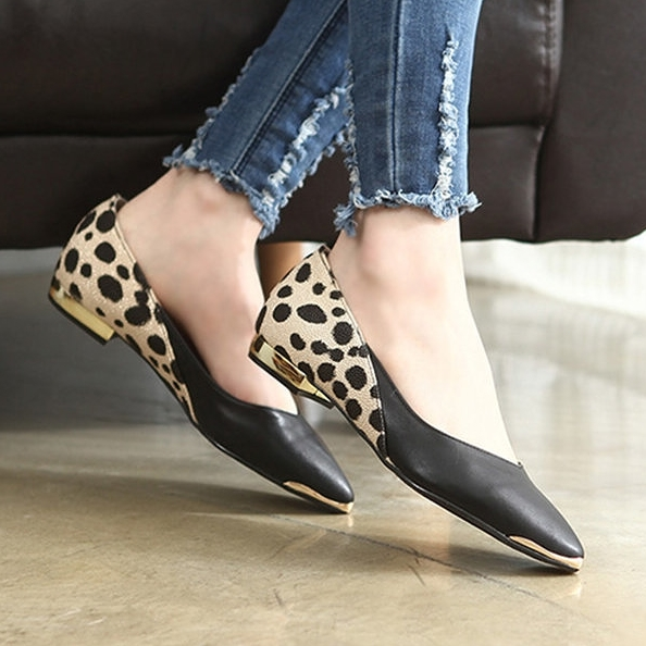 韓國製.時尚流行素面拼接豹紋尖頭包鞋.白鳥麗子