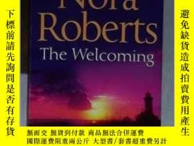 二手書博民逛書店英文原版罕見The Welcoming by Nora Robe