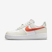 Nike Wmns Air Force 1 07 SE [DA8302-101] 女 休閒鞋 經典 麂皮 AF1 白橘