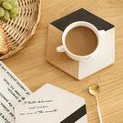 [現貨] 原創黑白色系六角形軟木隔熱墊 (不挑款) 餐墊 護手 隔熱手套 廚房用品