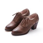 MICHELLE PARK 文青品味 雕花點點高跟牛津鞋-咖啡