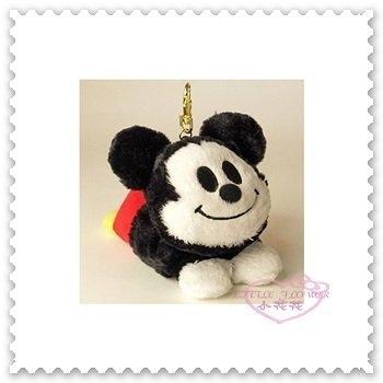 ♥小花花日本精品♥《Disney》迪士尼 米奇 票卡夾 悠遊卡立體造型 趴姿 絨毛 附鉤環 42214205