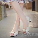 露趾魚嘴涼鞋女鞋2021春夏季時尚韓版金屬方扣淺口套腳高跟粗跟鞋 小時光生活館
