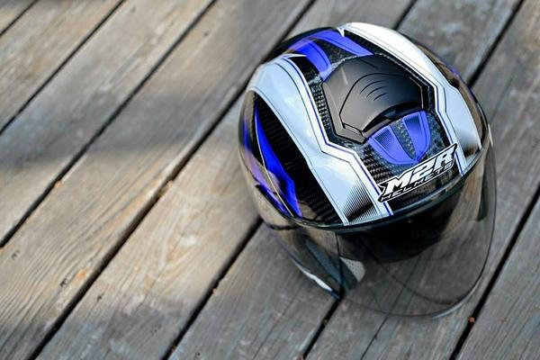 M2R安全帽,CF1,碳纖維版,碳纖#1/白藍