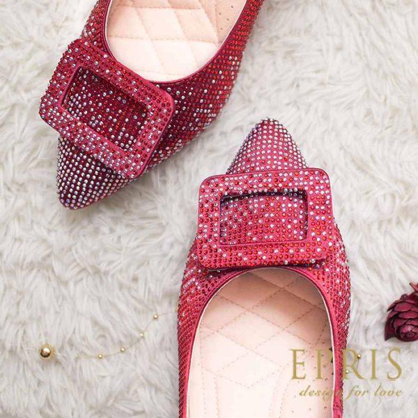 現貨 MIT小中大尺碼尖頭低跟鞋推薦 光芒女神 水鑽緞面皮鞋墊舒適 20.5-25.5 EPRIS艾佩絲-緞面紅