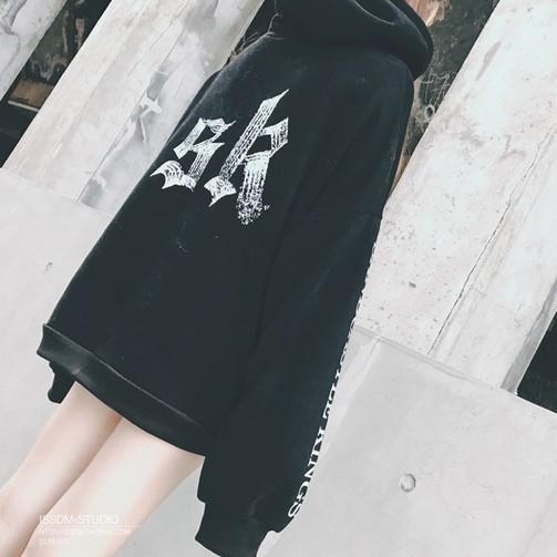 EASON SHOP(GU9131)韓版個性字母印花大口袋刷毛加厚加絨圓領長袖連帽T恤女上衣服落肩長版素色棉T恤