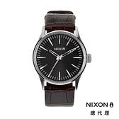 【官方旗艦店】NIXON SENTRY 38 極簡復刻 紳士棕 潮人裝備 潮人態度 禮物首選