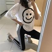 套裝 979#時尚套裝女寬松大笑臉短袖T恤 外穿小腳打底褲1F151-A韓依紡