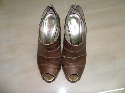 聯白鴿一鞋子改色染色劑.YSL鞋子染色劑.皮鞋染色劑加盟.鞋子染色劑.洗鞋子染色劑.修鞋子染色劑
