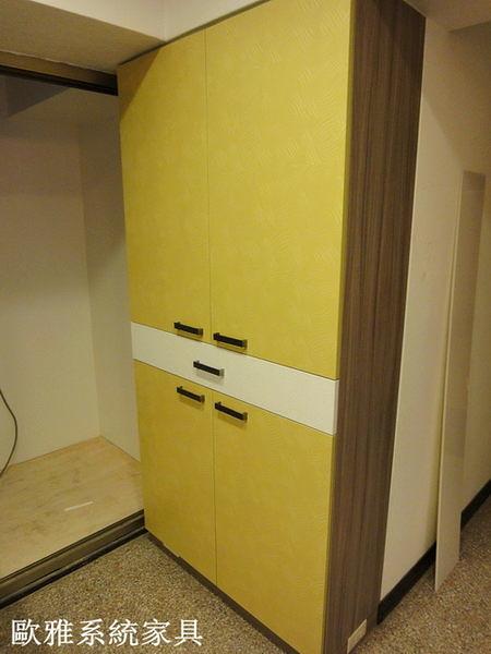 【歐雅系統家具】門口造型鞋櫃