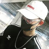 韓國白色軟頂鴨舌帽子男士字母刺繡棒球帽女式韓版夏季遮陽帽出游  巴黎街頭