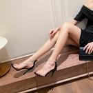2021新款明星同款露趾珍珠透明一字帶涼鞋女後拉鏈細跟高跟鞋