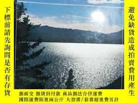 二手書博民逛書店THE罕見COLOUR OF CANADA 攝影畫冊6605 M