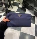 ■現貨在台■專櫃77折■ Prada 1NE693 三角LOGO尼龍萬用包/化妝包.黑