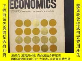 二手書博民逛書店INTRODUCING罕見ECONOMICS (經濟學導論)Y2