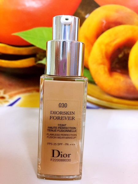 Christian Dior 迪奧 光柔恆色水潤精華粉底液 20ml 色號: 030專櫃貨 百貨公司專櫃貨 (旅行用)