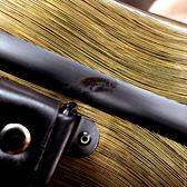 ★福利品出清★JV-1001金色金屬刷線小提琴三角硬盒~側邊殘膠 功能正常!僅此一個限自取