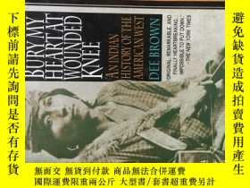 二手書博民逛書店Bury罕見My Heart at Wounded Knee: