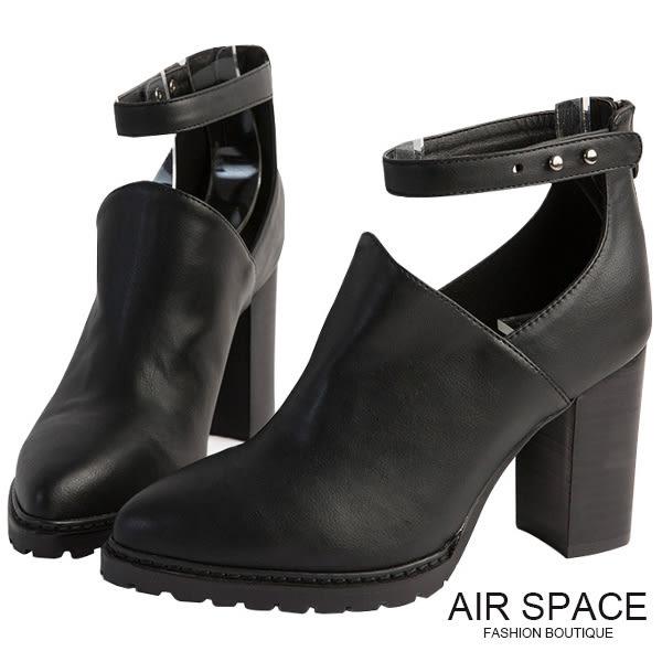 踝靴 個性繫踝壓釦尖頭粗跟踝靴(黑)-AIR SPACE