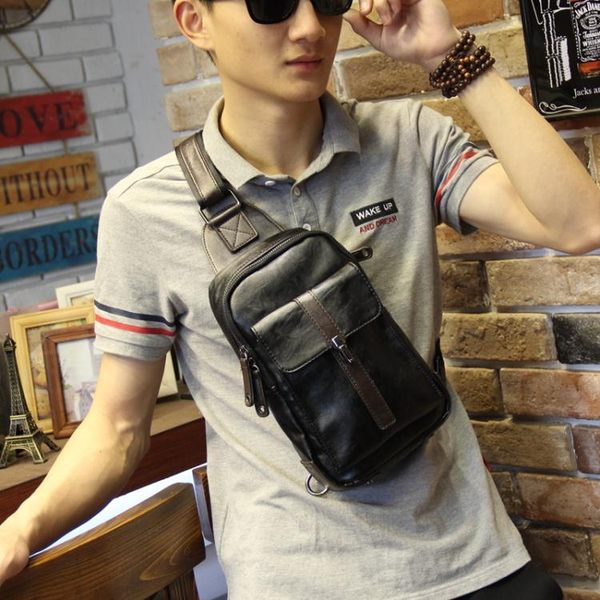 新款皮質休閒包 小胸包 夏季潮流背包 韓版男包男士胸包背包潮包  卡布奇諾