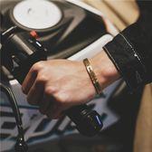 日韓街頭嘻哈潮人首飾鈦鋼手鐲開口手環男女情侶飾品一對潮男手錬 春生雜貨