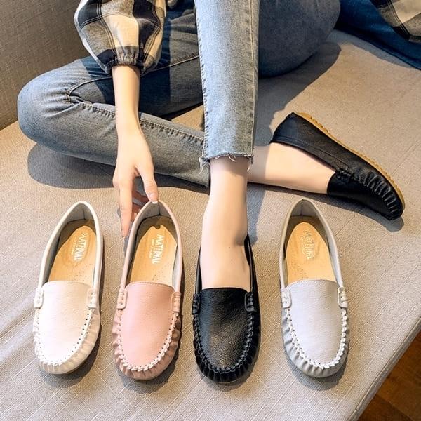 【領券再折$118】 白鳥麗子 MIT素面好穿平底豆豆鞋 限量50雙