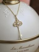 銀本家925純銀鍍14K金鳶尾花吊墜復古宮廷項鍊鑰匙鎖骨鍊飾品女