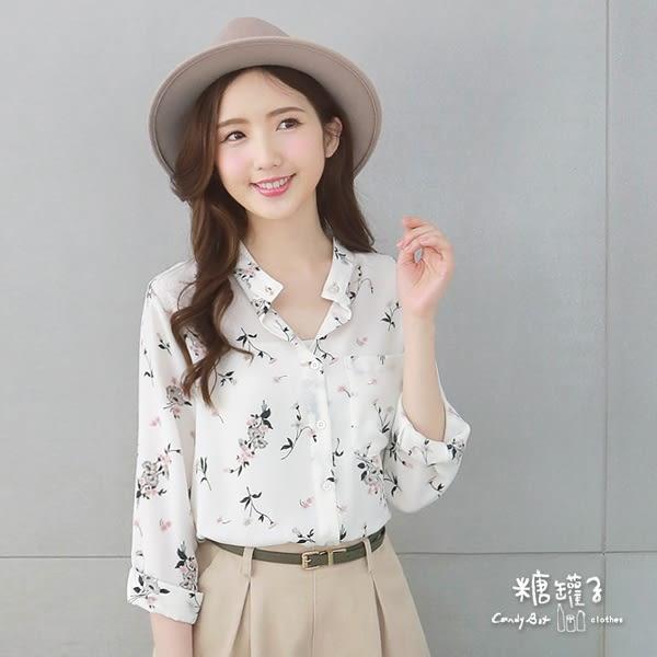 【五折價$335】糖罐子滿版印花單口袋雪紡上衣→現貨【E51154】