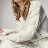 【南紡購物中心】《D Fina 時尚女裝》溫柔編織感 亮米白小高領鏤空寬鬆套頭針織毛衣