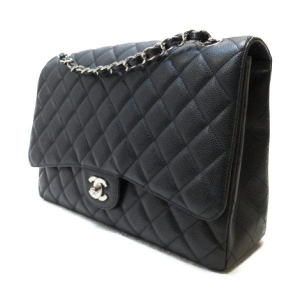 CHANEL 香奈兒 黑色菱格紋荔枝皮銀鍊肩背COCO包 Maxi Classic Handbag 【BRAND OFF】