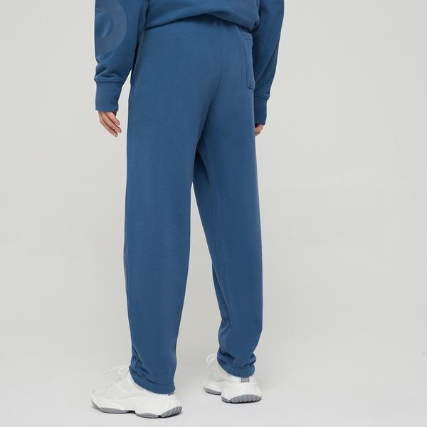Gap男裝 碳素軟磨系列 Logo法式圈織寬鬆軟休閒褲 979651-藍色