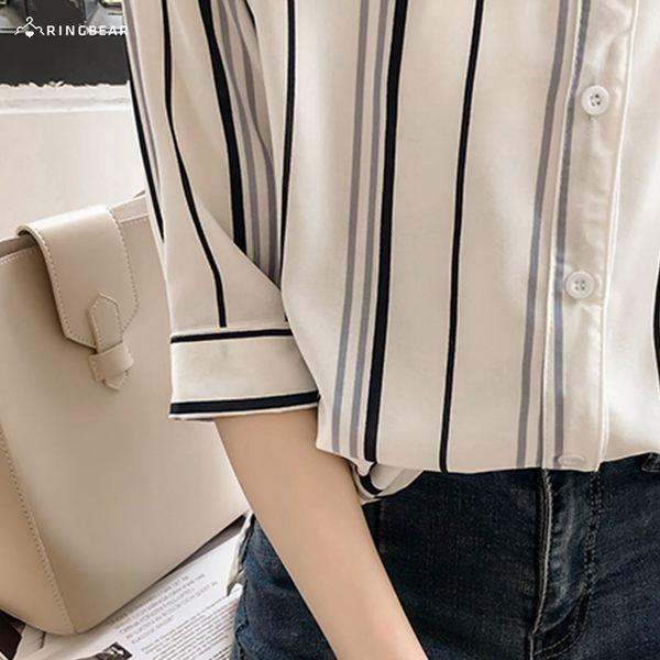 加大尺碼--帥氣時尚V口小立領配色直條紋雪紡五分袖襯衫(白.藍L-3L)-H191眼圈熊中大尺碼◎