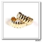 MONET 金色立體彎月夾式耳環(金色)990138