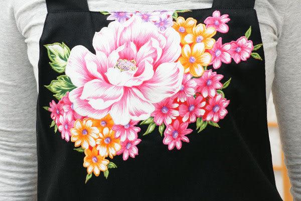 鹿港窯-母親節精選禮物~Hot最新流行阿媽布花【圍裙、工作裙】黑色