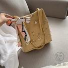 民族風側背蕾絲刺繡鏈條水桶包女氣質斜背包【小酒窩服飾】