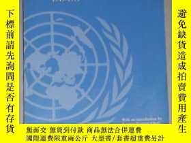 二手書博民逛書店英文原版罕見The United Nations and Hum
