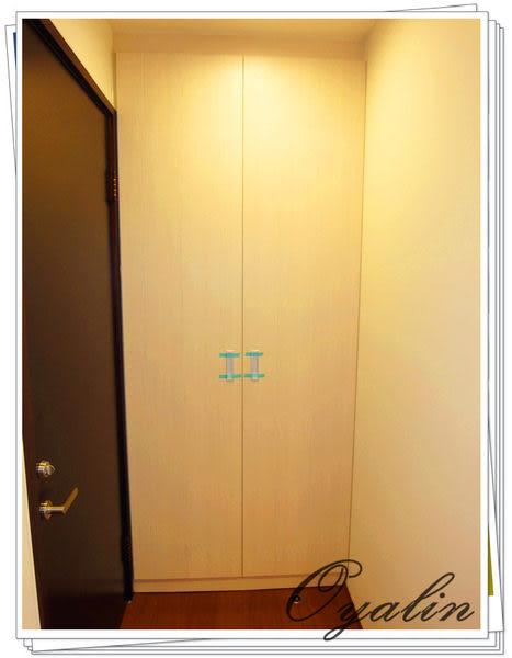 【歐雅 系統家具 】 玄關櫃+伸縮衣桿吊外出大衣