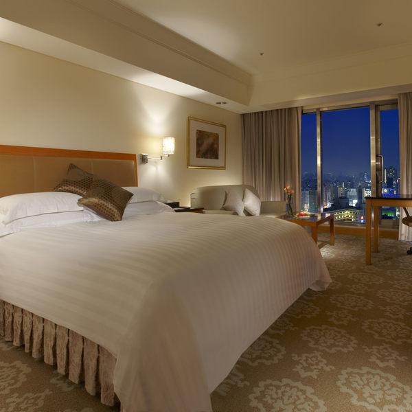台中金典酒店精緻雙人房住宿券 1大床或2小床含自助早餐(假日使用+800)