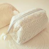 化妝袋-羊毛蕾絲刺繡流蘇女手拿包2色73d26【時尚巴黎】
