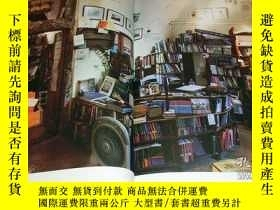 二手書博民逛書店The罕見20 Most Beautiful Bookstores in the World book photo