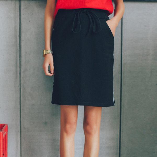 短裙SGH夏季新品鬆緊繫帶包臀半身裙 運動休閒條紋黑色短裙女裙子【時尚家居館】