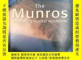 二手書博民逛書店The罕見Munros: Scotland s Highest